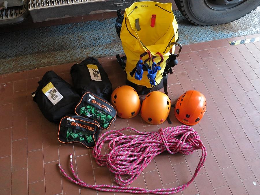 Skylotec Kinder Klettergurt : Mini feuerwehr hürth absturzsicherung für kinder